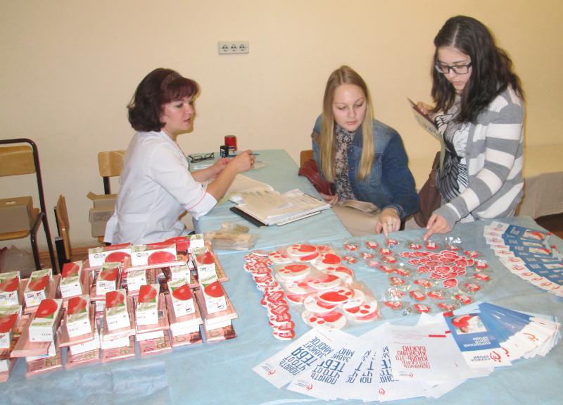 Вы просматриваете фотографии из материала: Акция «Донорского совершеннолетия» в ВятГГУ