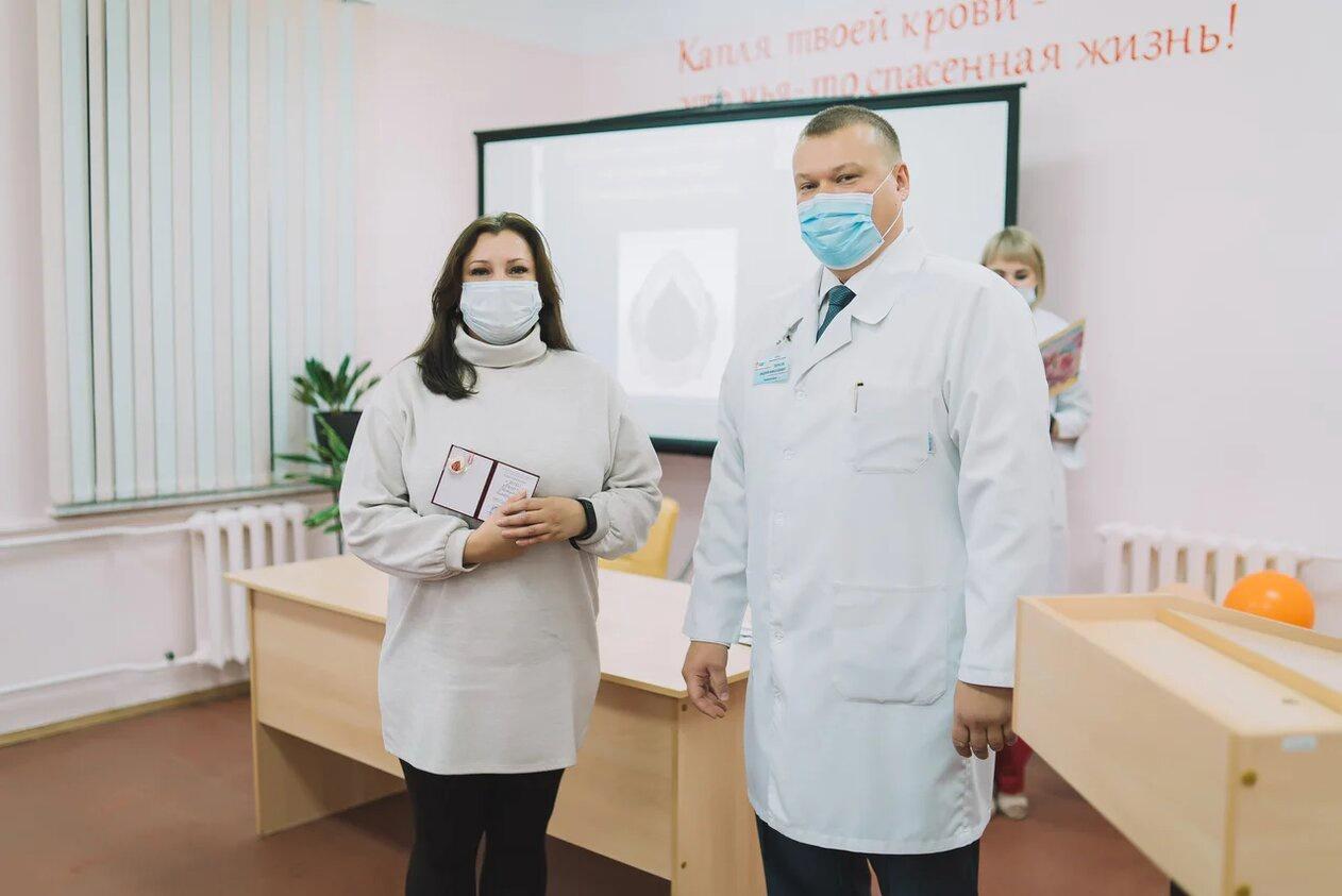 Вы просматриваете фотографии из материала: Кировская область пополнилась 127 Почетными донорами